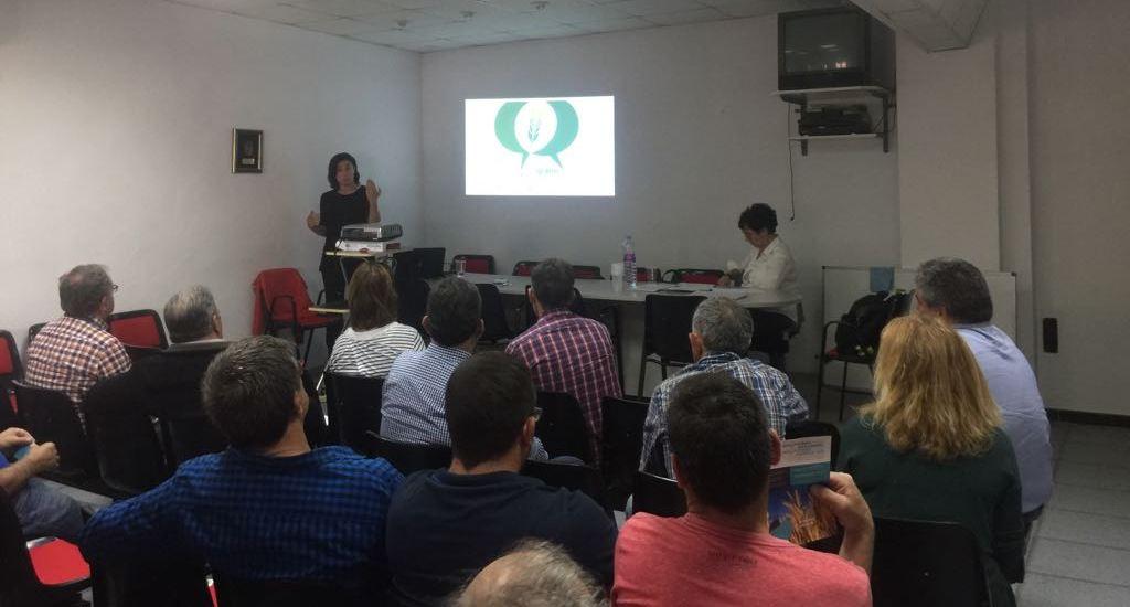 Imagen tomada en una de las charlas para presentar el Convenio que está realizando UPA en Aragón - HUESCA 21052018
